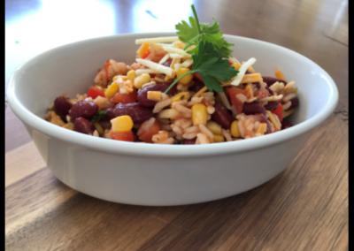 Salade de riz mexicaine