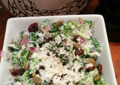 Salade de brocoli sucrée