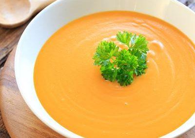 Potage aux légumes et haricots blancs